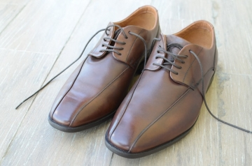 Как восстановить кожаную обувь