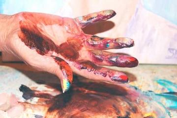Краска на руках