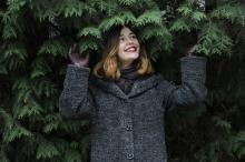 Серое женское пальто