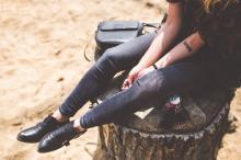 Как растянуть лаковую обувь