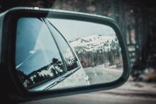 Как убрать царапины с зеркала