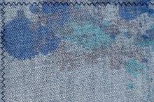 Пятна на джинсах
